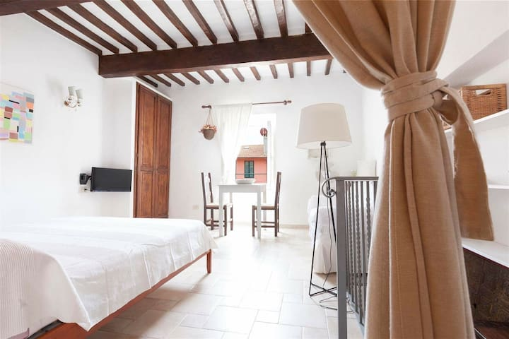 Beautiful apartment on the square - Porto Ercole