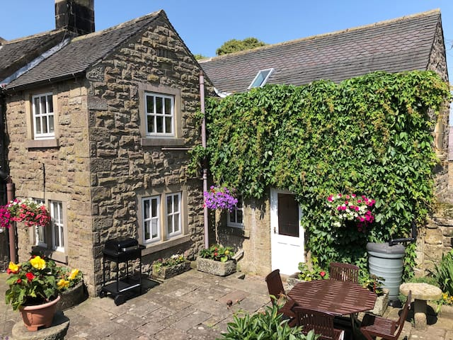 Two Gates Cottage Self Catering