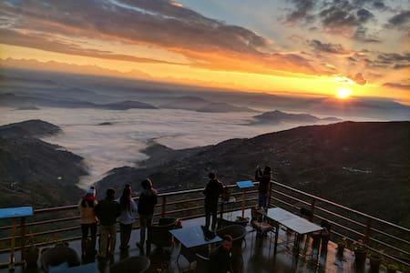 Everest Manla resort