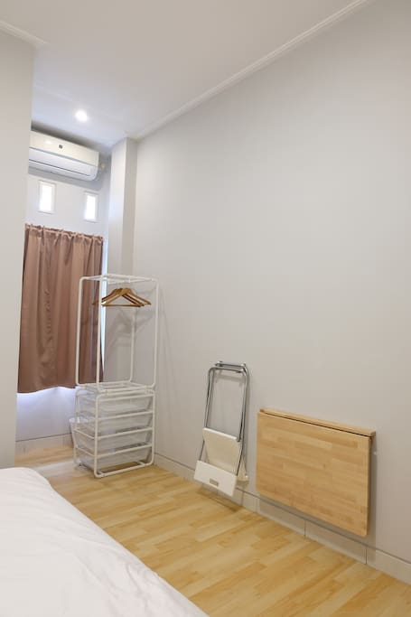 This room can contain 3 people with an extra bed (floor mattress)