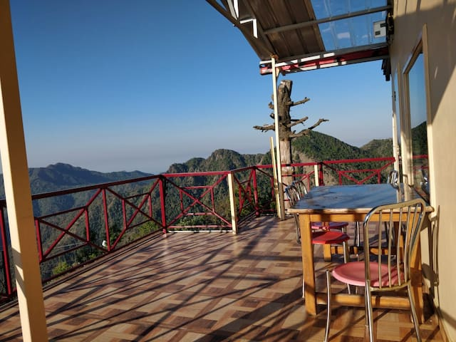 Morning Breeze Homestay @Kanatal, Uttarakhand