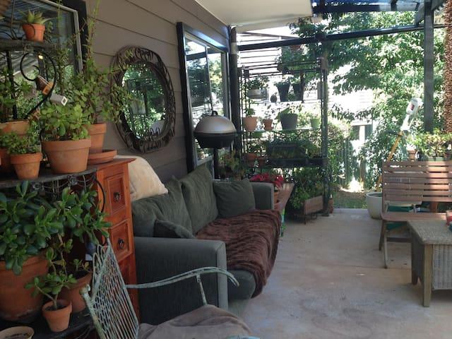 Delightful Base in Bush Setting - Daylesford - Apartment