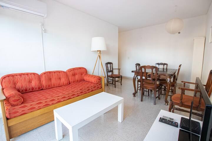 Luminous and quiet 2-bedroom apartment