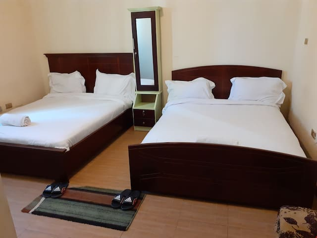 Extreme hospitality and cleanness, nearby airport