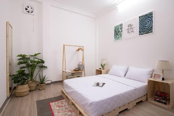 Cozy Sun homestay in District 1(small room)