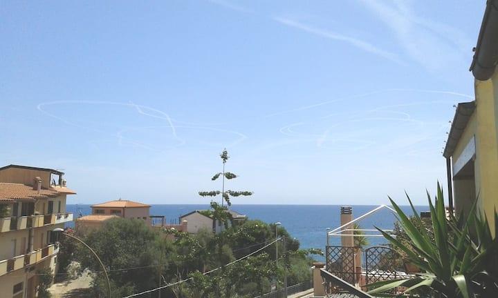 Appartamento sul porto turistico a 300mt. dal mare