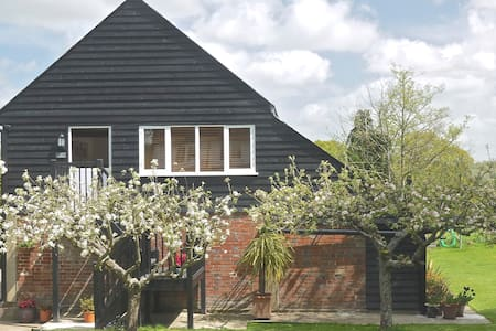 Garden of England rural apartment - Rolvenden - Departamento