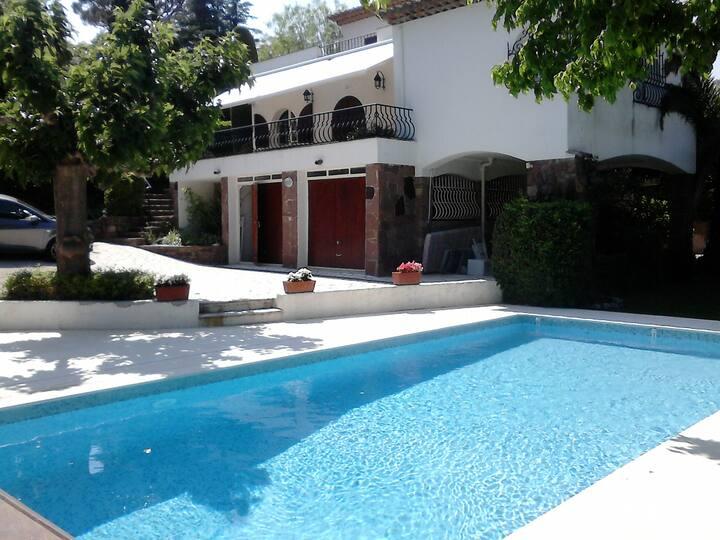 Villa à 150 mètres de la plage avec piscine privée