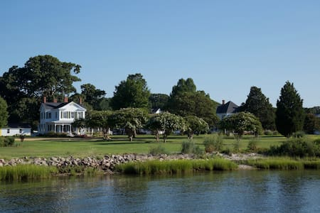 SEA THE BAY..Chesapeake Bay Waterfront home