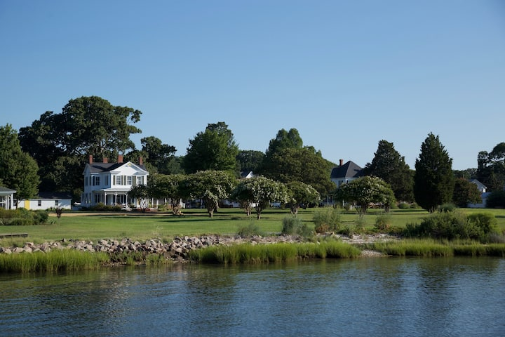 SEA THE BAY..Chesapeake Bay Waterfront home