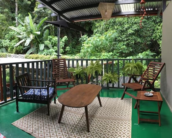 CENTRAL 2BR W/ BFAST AT NOOK CAFE! - Nook Suite 1 - Kota Kinabalu - Byt