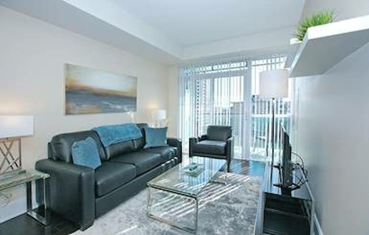 Modern 2BR Condo In The Best Location Downtown Van