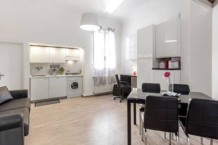 CHARMING APARTMENT CATHEDRAL