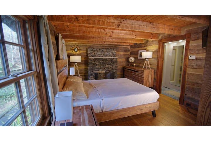 Downstairs left bedroom