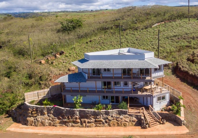 New Haleiwa home with great views!!