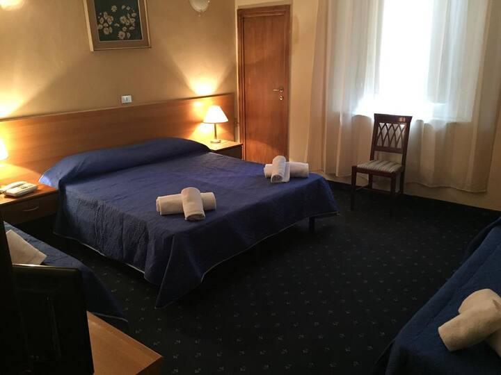 Camera doppia in Hotel tre stelle in centro