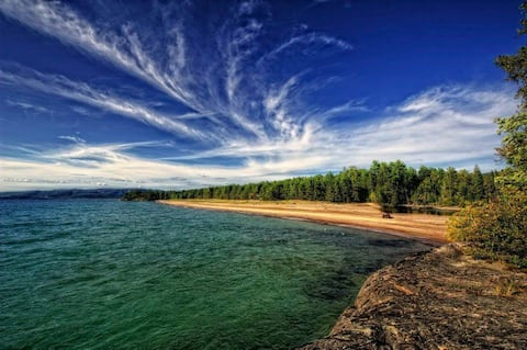 1 kmプライベートビーチの阿川湾にある星の小屋。