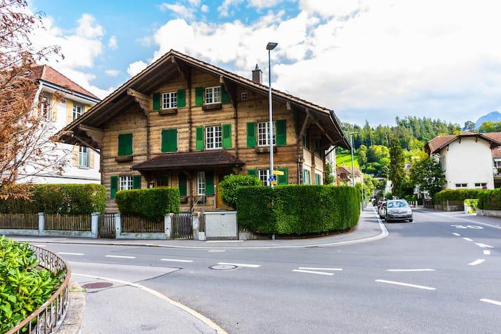 AUSFinn-Apartments,SWISS VILLA(Big Privet Garden)