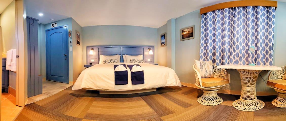 Hummingbird Suites Maya Beach Comfort King Room 6