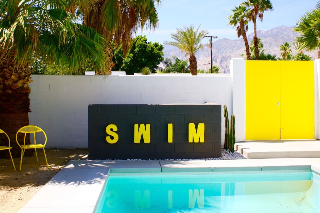 New pool and mountain views in beautiful Palm Springs!