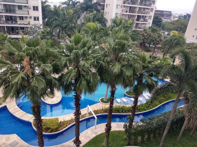LINDO apto BARRA FAMILY Resort .