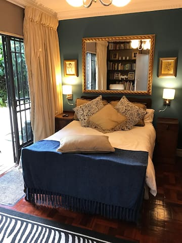 Elegant Houghton Estate Cottage - Johannesburg - Huis