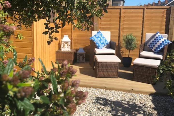 Stunning Whitstable home with parking and garden
