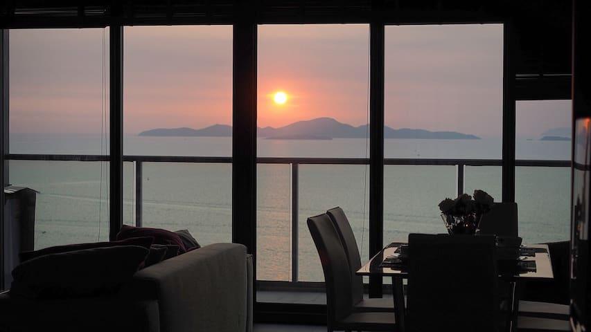 Stunning Seaview Best Beachfront Large 2-bed 2601