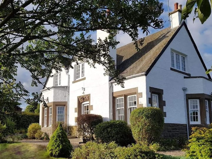 Classic Edwardian Villa in own grounds