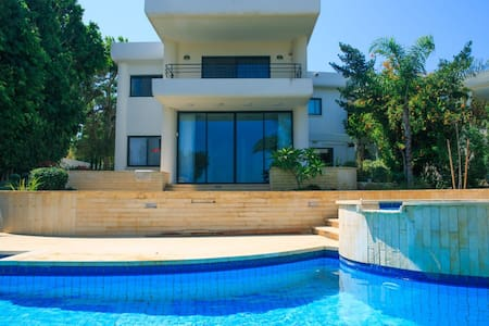 Dream house in Caesarea by the Sea