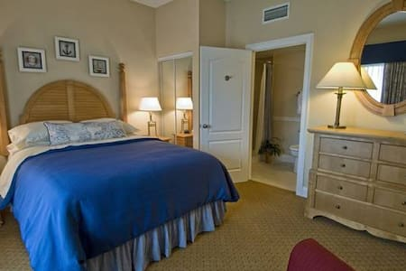 Cape Cod Getaway at Resort! - West Yarmouth - Townhouse