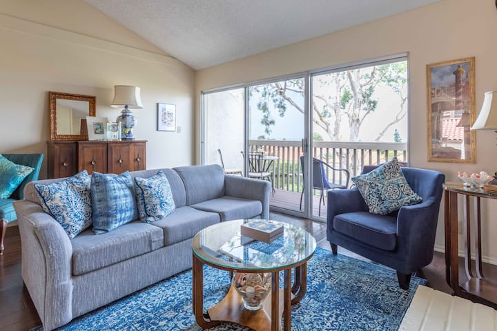 Family Friendly 2BR Condo with Parking, W/D, WiFi