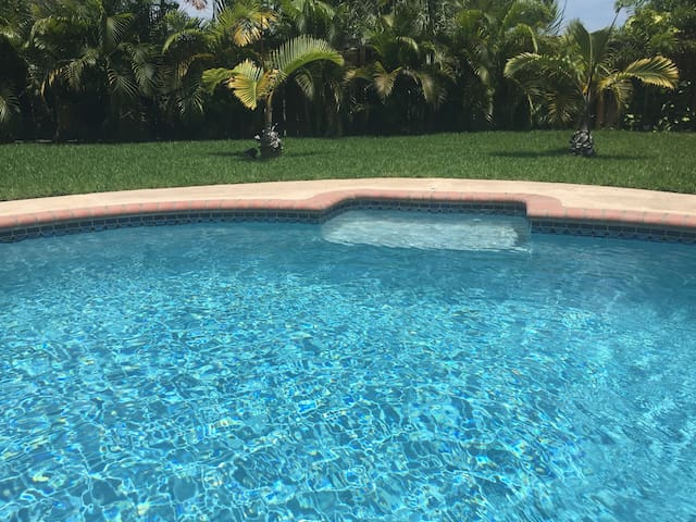 Two bedrooms with private bathroom in House Villa - Coral Springs - Villa