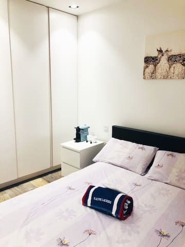 Comfy Double Room & Private Bathroom in SW4!!