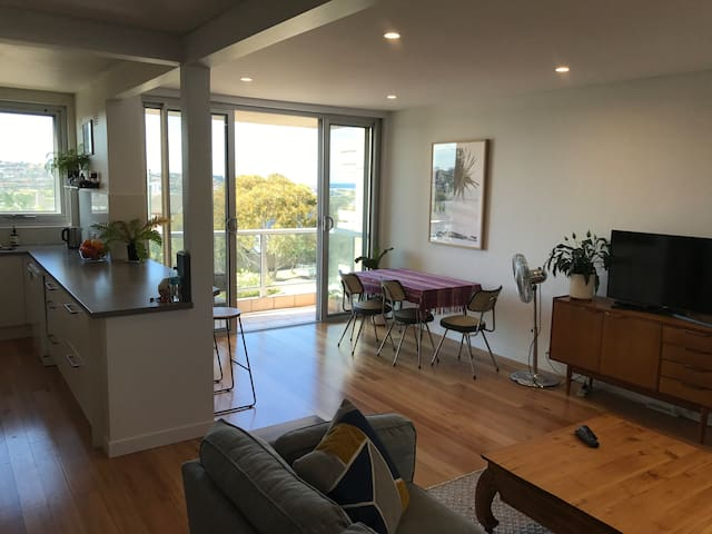 Maroubra Beach - Family style, 2 bedroom apartment