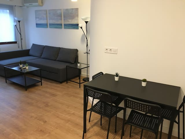 Comfy apt near Moncloa and 15min to the center