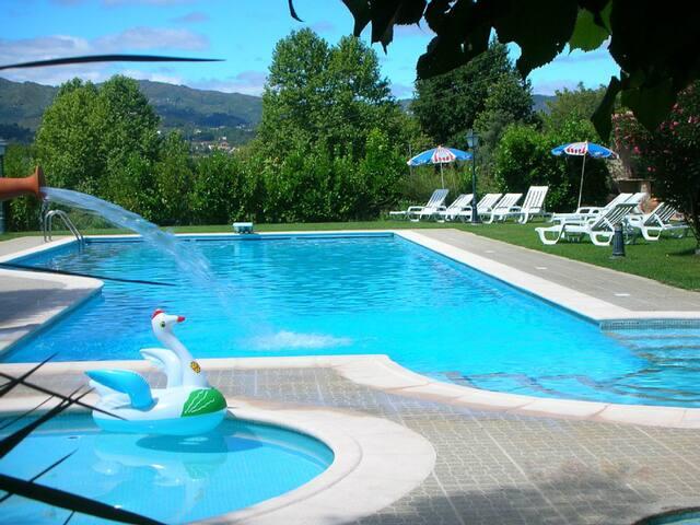 5210 Moradia com piscina situada em Cabeceiras de