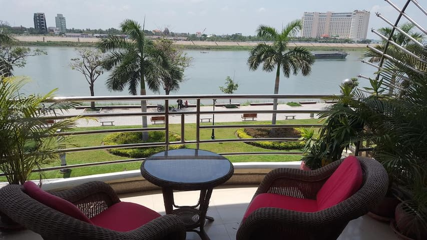 Phnom Penh Riverview Apartments 2nd floor