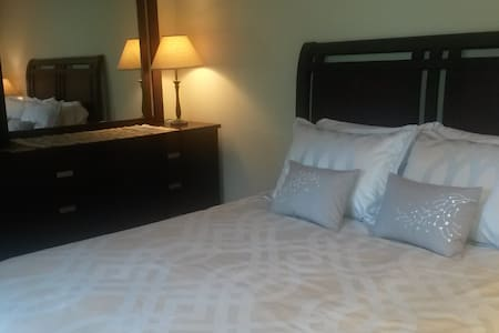 Private Mother In Law Apartment. Separate entrance - Kenmore - อพาร์ทเมนท์