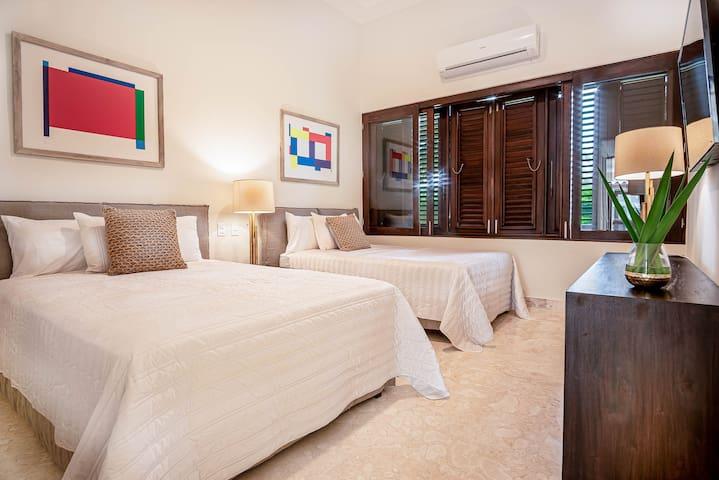 Habitación 4, dos camas dobles