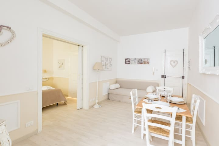 ROMANTIC APARTAMENT SPANISH STEPS Special price