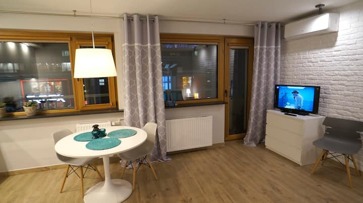 Air-conditioned apartment  Chmielna 2
