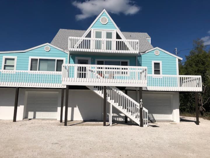 Anthony Beach Cottages-4BR Home with HEATED Pool