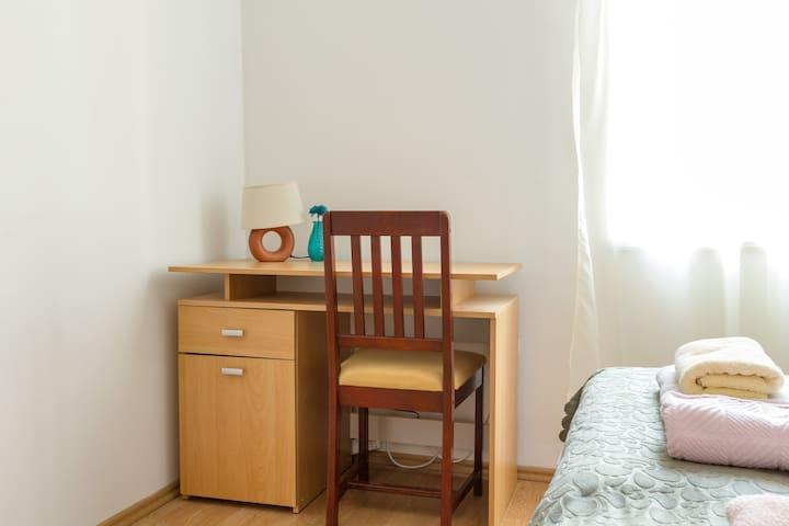Bedroom - Calendula