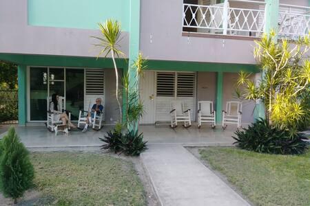 Casa de Morales (2 Habitaciones/2 Rooms)