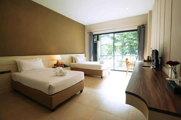 Grand Superior Twin Bed Room 1@Cavalli Casa Resort