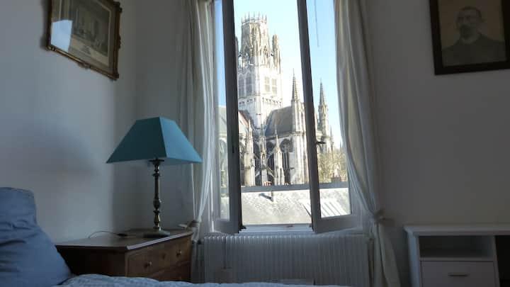 Petite Chambre en plein centre historique de Rouen