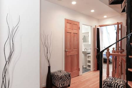 Stylish loft, heart of Georgetown! - Washington - Loft
