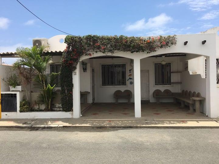 NUESTRA CASA-OUR HOME  Salinas Beach - by/por A2CC