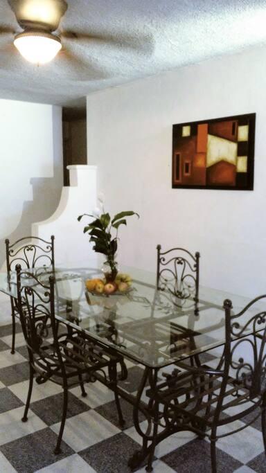 Detalles especiales para ti que eres especial, es una casa con plantas naturales para que se mantenga fresca.